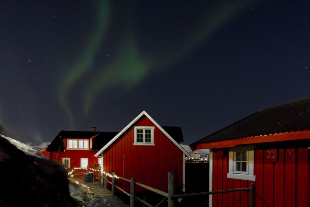 Rorbuer onder Noorderlicht