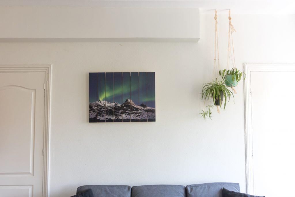 Houten afdruk aan de muur