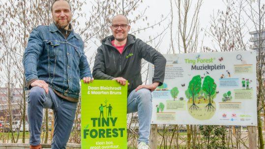 Klein bos, groot avontuur; het Tiny Forest boek van Daan & Maarten